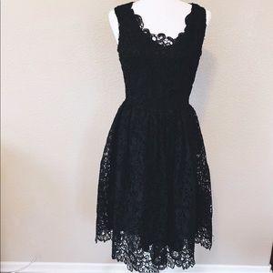 Elegant Black Dress •Size Large